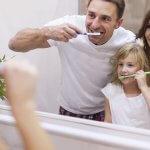 Így kerülhető el a parodontózis: Az alapos fogmosás nem elég, a technika is fontos!